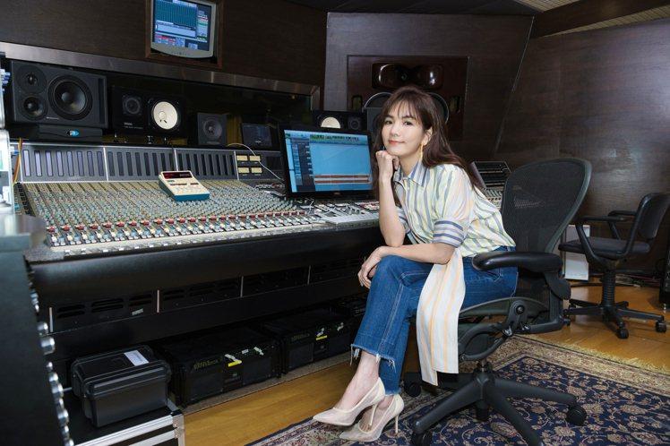 Ella推出新歌。圖/寬魚、勁樺提供