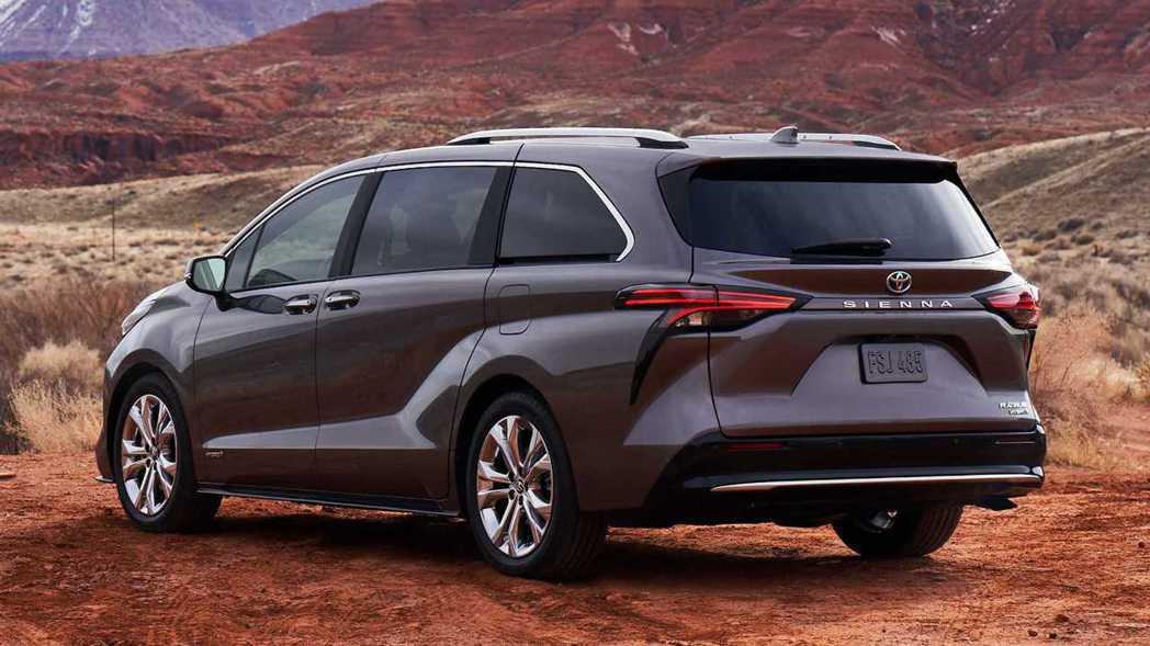 車尾門上一體式的鴨尾設計,原廠宣稱有助於空氣力學。 摘自Toyota
