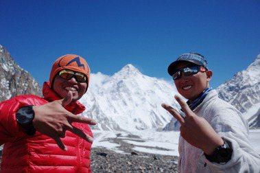 早在求學時期,呂忠翰(左)和張元植(右)就知道K2的凶險與傳奇色彩,台灣從未有登山家成功登頂,在他們心中埋下了出發的種子。 圖/呂忠翰、張元植、陳德政提供