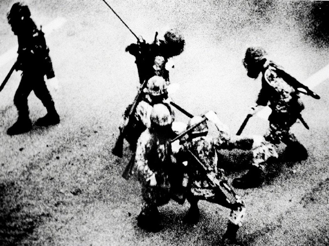 「我們是為了守護什麼而抗爭、又為何守著這份初心?至今的光州,仍在詢問著。」 圖/...