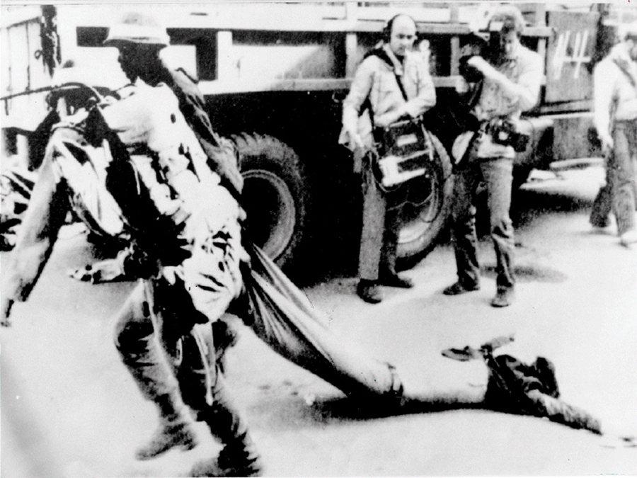 光州事件發生的短短10天,造成示威者與無辜民眾,遭新軍部殘暴攻擊傷亡,更為光州市...