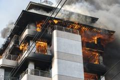 大樓安全門被鎖上萬一火警怎麼辦? 專業網友:只能單向開啟