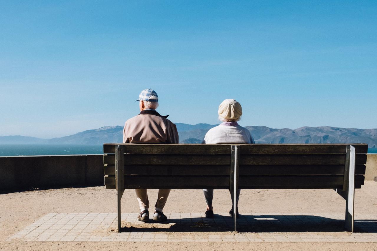 年輕型失智者意指65歲以前確診的失智者,目前推估台灣約有1.2萬的年輕型失智者。...