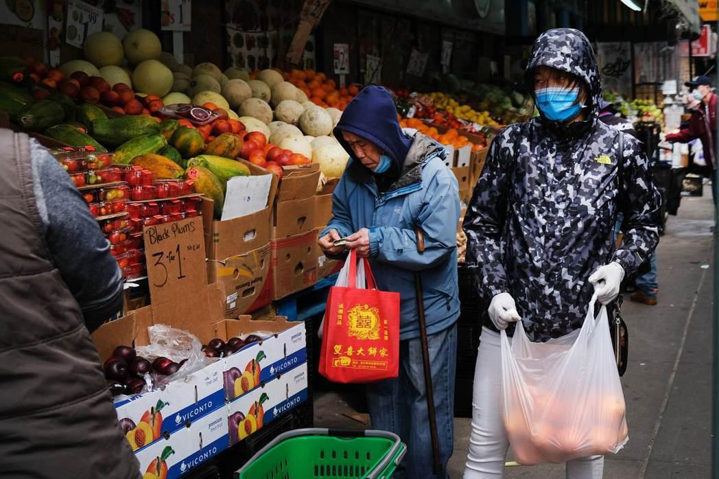 紐約數據顯示,亞裔的新冠肺炎感染率、死亡率低於其他族群。圖為紐約華埠檔案照。法新...