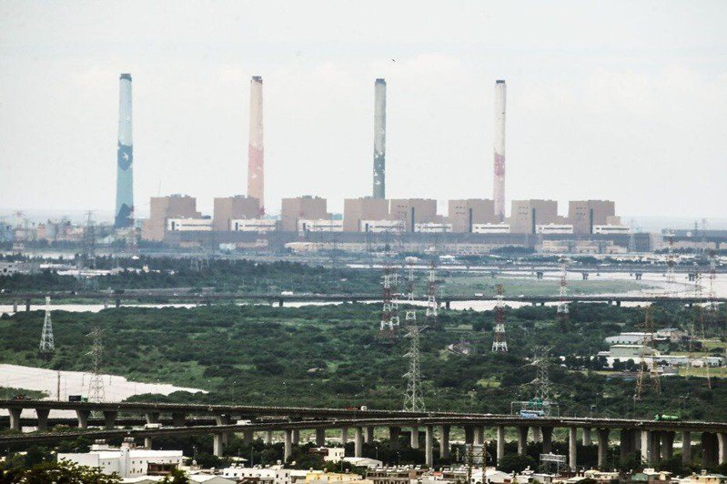 台中火力電廠燃煤量連三年減少,南投縣空品不良天數也大幅減少。圖/聯合報系資料照片
