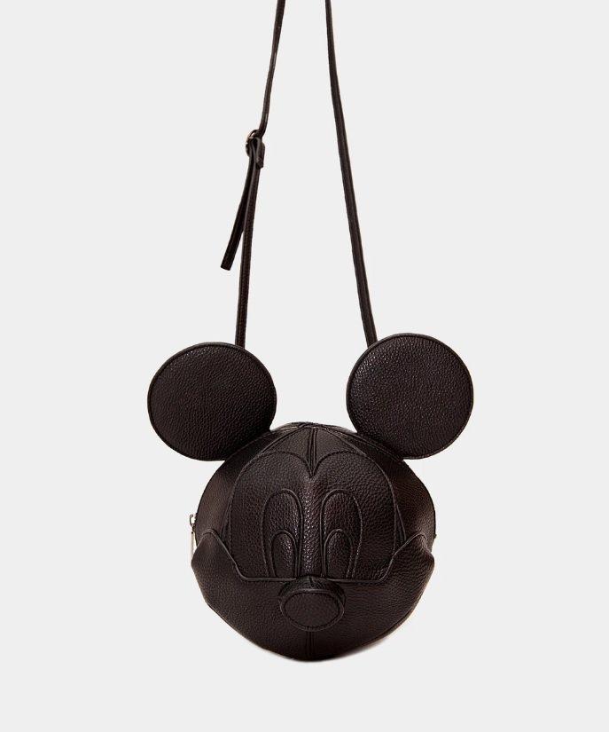 Danielle Nicole推出限定版3D米奇頭造型包。圖/摘自Daniell...