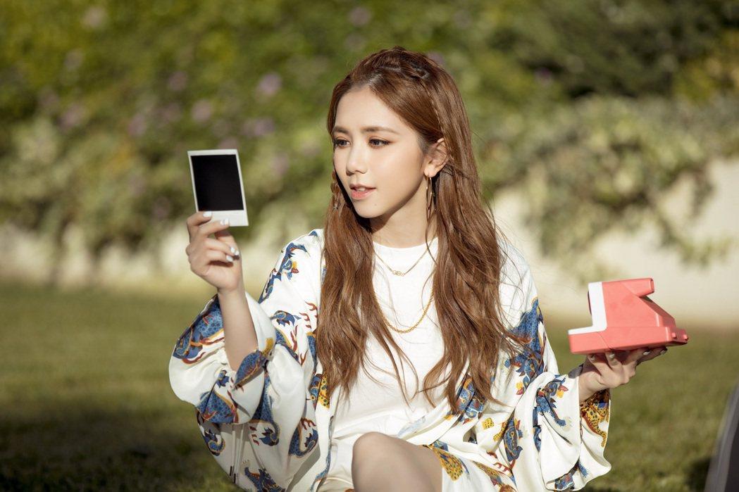 鄧紫棋推出新歌「多美麗」MV。圖/索尼音樂提供