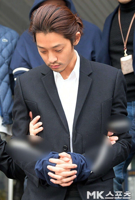 鄭俊英在拘留所被大哥點名唱歌。圖/摘自MK體育