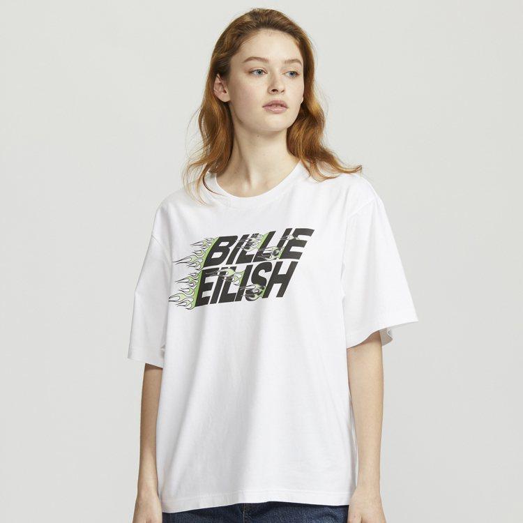 UNIQLO村上隆與怪奇比莉聯名UT系列女裝T恤590元。圖/UNIQLO提供
