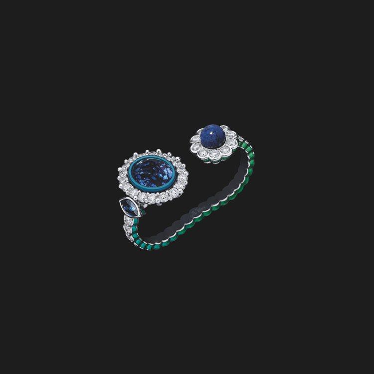 DIOR ET MOI藍寶石、青金石雙指戒,1,350萬元。圖/迪奧提供