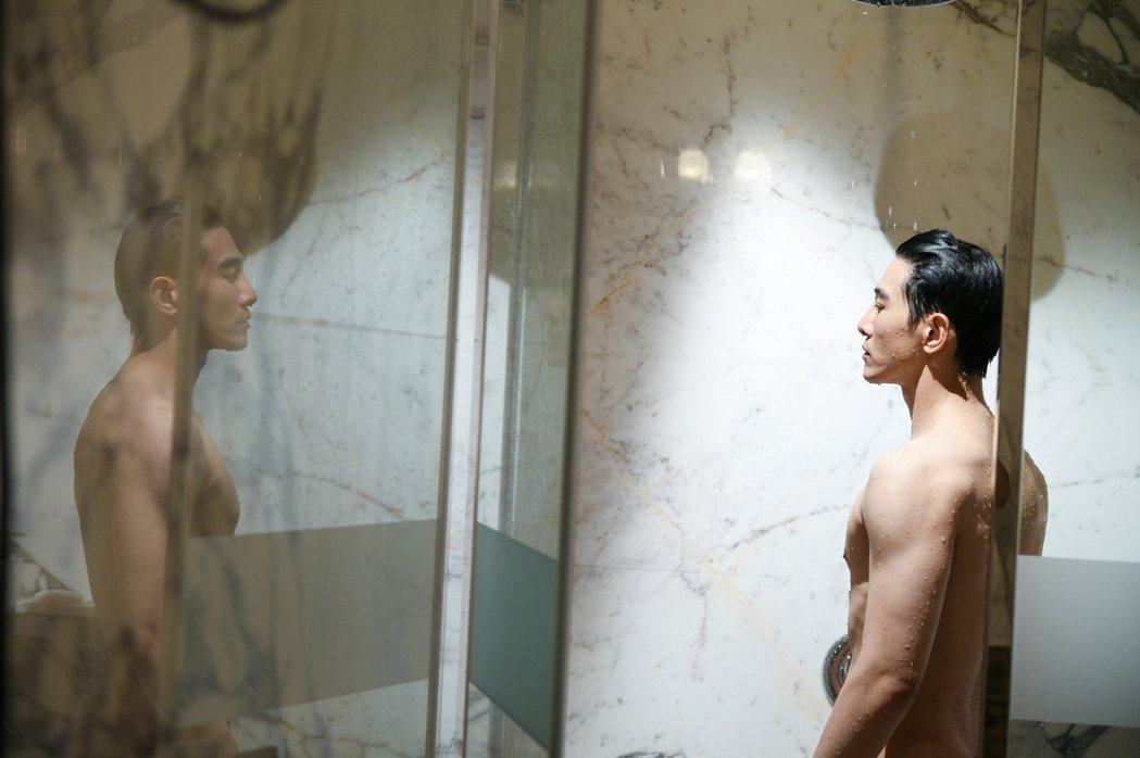 張立昂為洗澡戲減肥4公斤。圖/三立提供