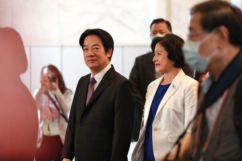 第15任副總統賴清德由夫人吳玫如陪同在總統府宣誓就職。圖/總統府提供