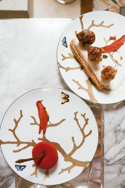 巴黎莫里斯酒店「達利廳」的下午茶甜點,是將知名甜點主廚Cédric Grolet...