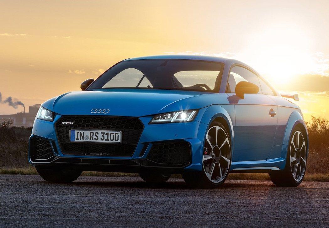 曬太陽不僅能夠消毒,同時也能清除車內異味與藏匿的蟲害。 摘自Audi