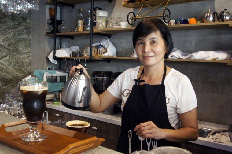 黃麗枝打造有溫度的民宿「71cafe」。 圖/林保光 攝影