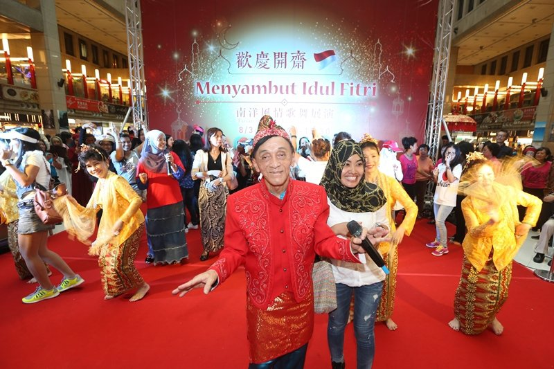台北車站每年一度穆斯林開齋節,逐漸成了台灣社會包容移工族群多元文化的友善象徵,攝於2014年。 圖/聯合報系資料照