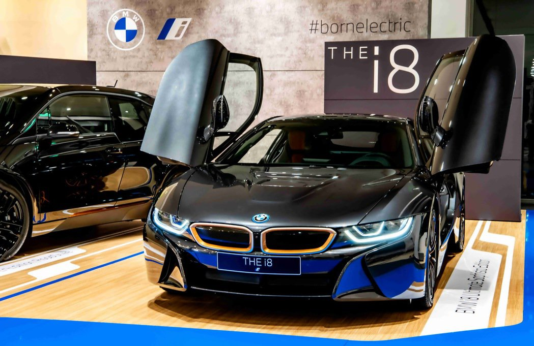 全新BMW i8 Ultimate Sophisto Edition特仕版外觀車...