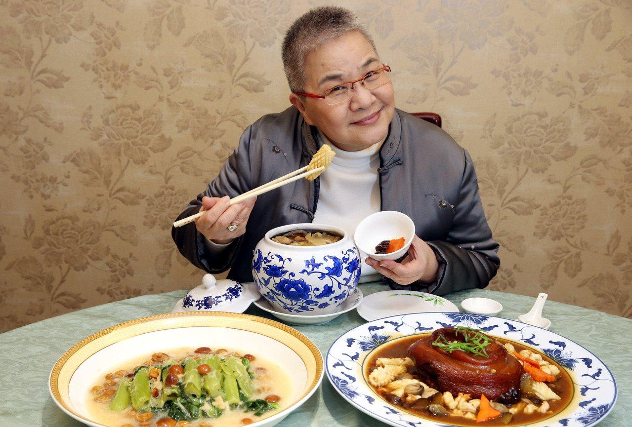 胡天蘭不只帶我們吃,也帶我們用味蕾探索生活。 圖/林俊良 攝影
