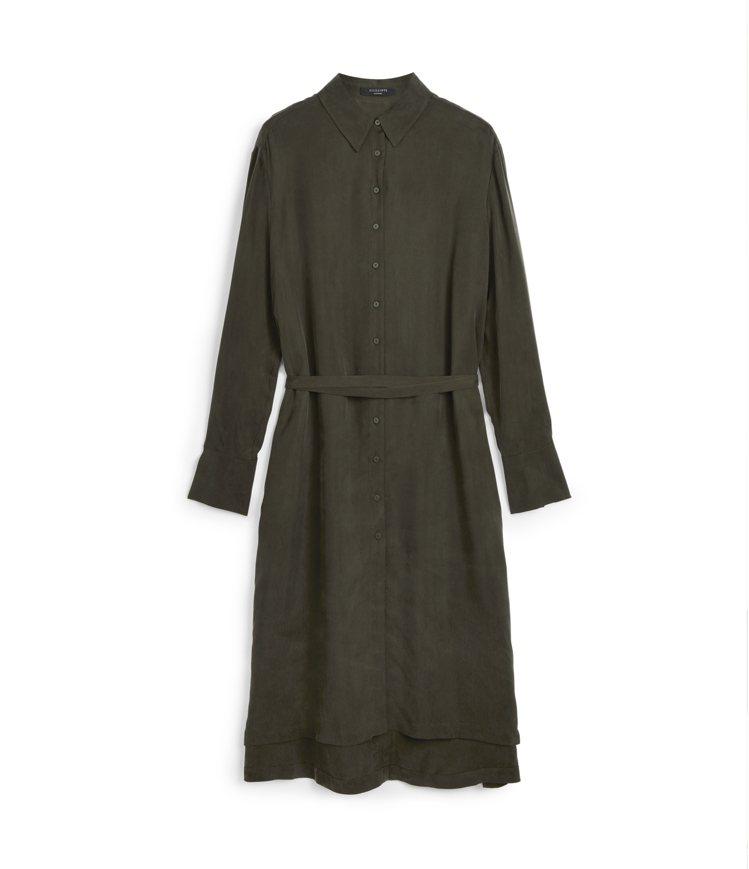 金喜愛穿著類似款AllSaints Anya墨綠色長版襯衫洋裝8,300元。圖/...