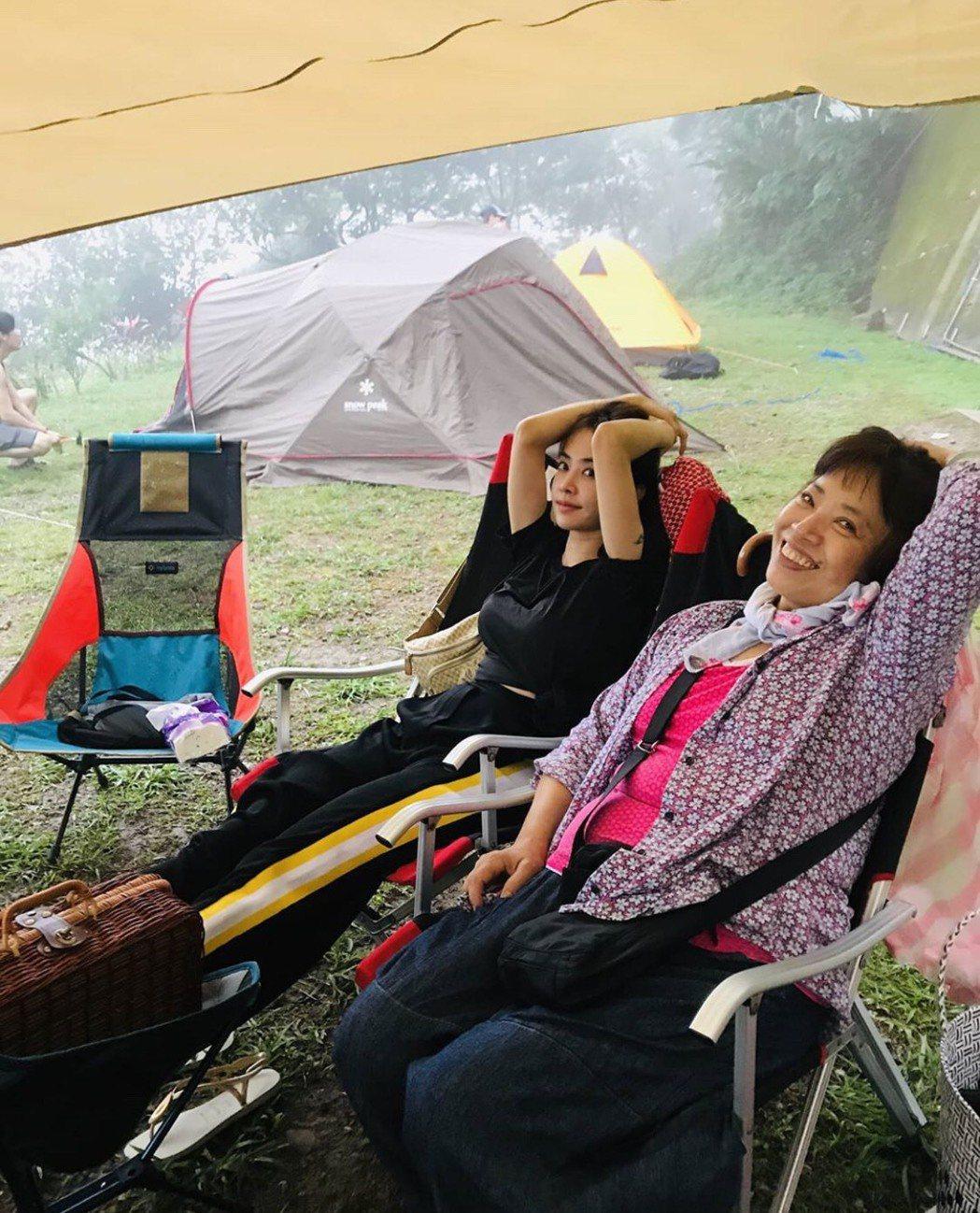 蔡依林經常與媽媽相偕出遊。圖/摘自IG
