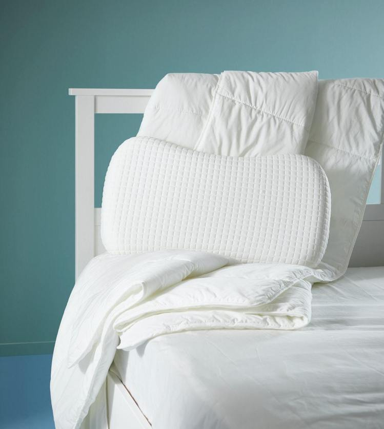 IKEA推出涼感舒眠寢具,採用透氣天然材質,外層特殊的凝膠能減緩體溫上升。圖/I...