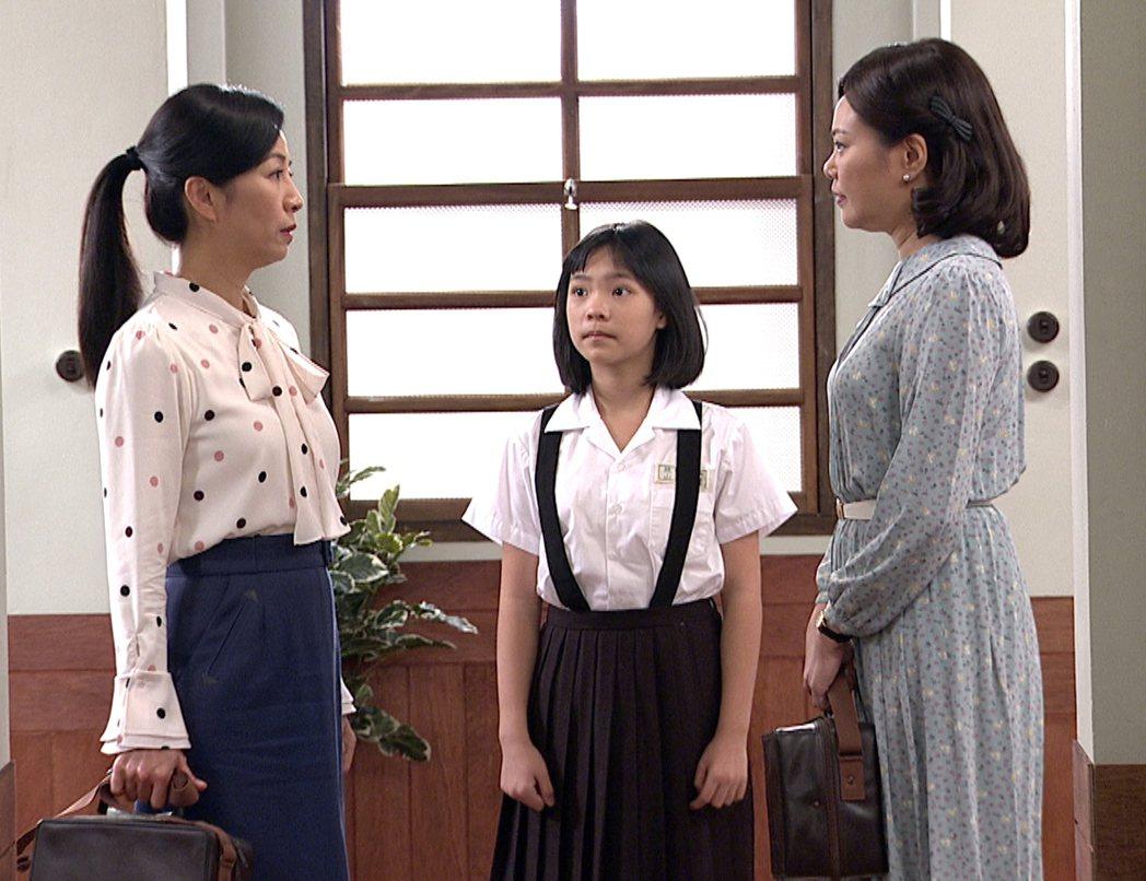 方文琳(左起)、謝欣諭、林嘉俐在「生生世世」中的演出感動觀眾。圖/台視提供