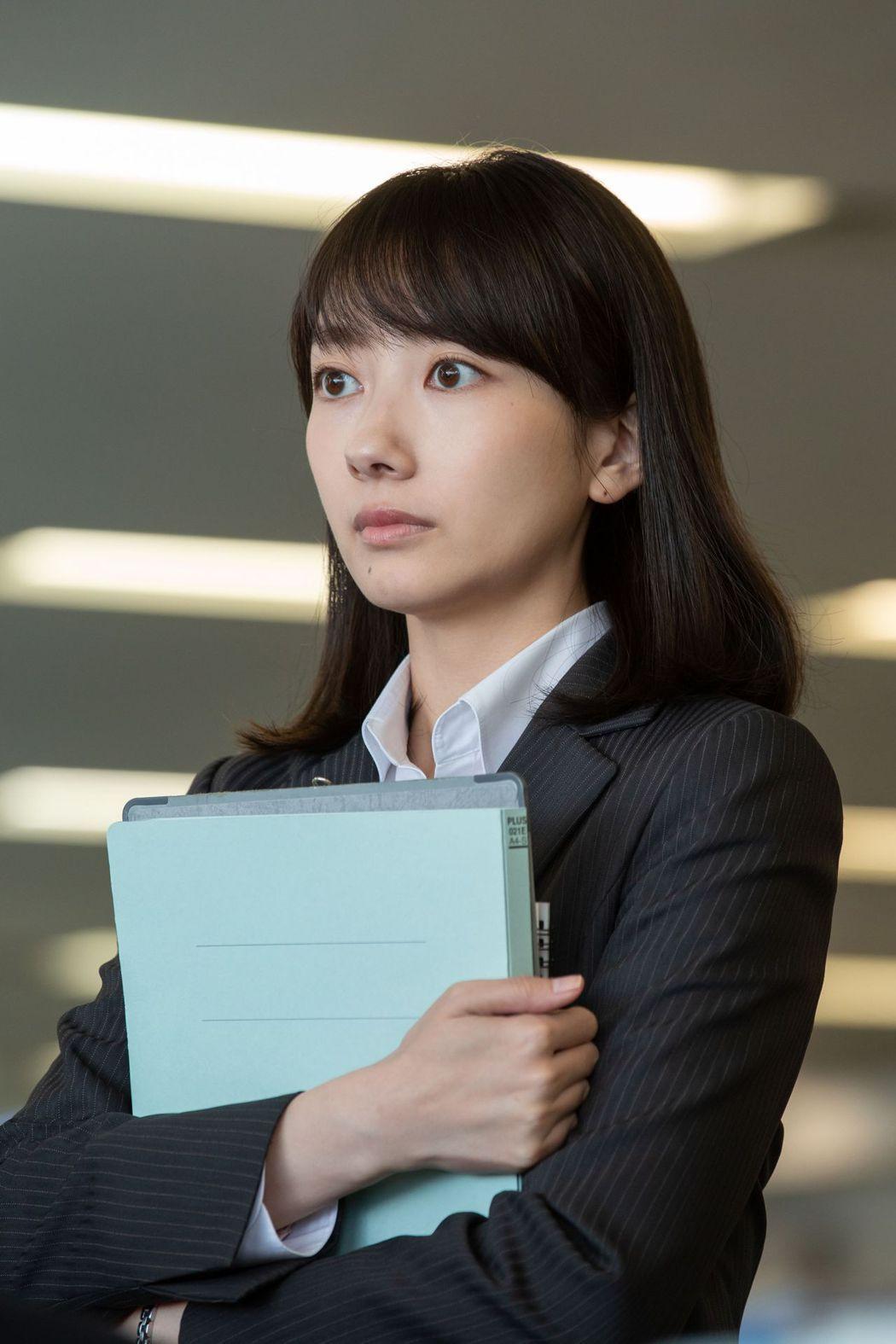 波瑠來台拍攝「路~台灣Express~」。圖/公視提供