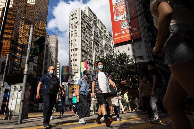 香港21日新增8宗新冠肺炎確診病例,累計有1063宗。 歐新社
