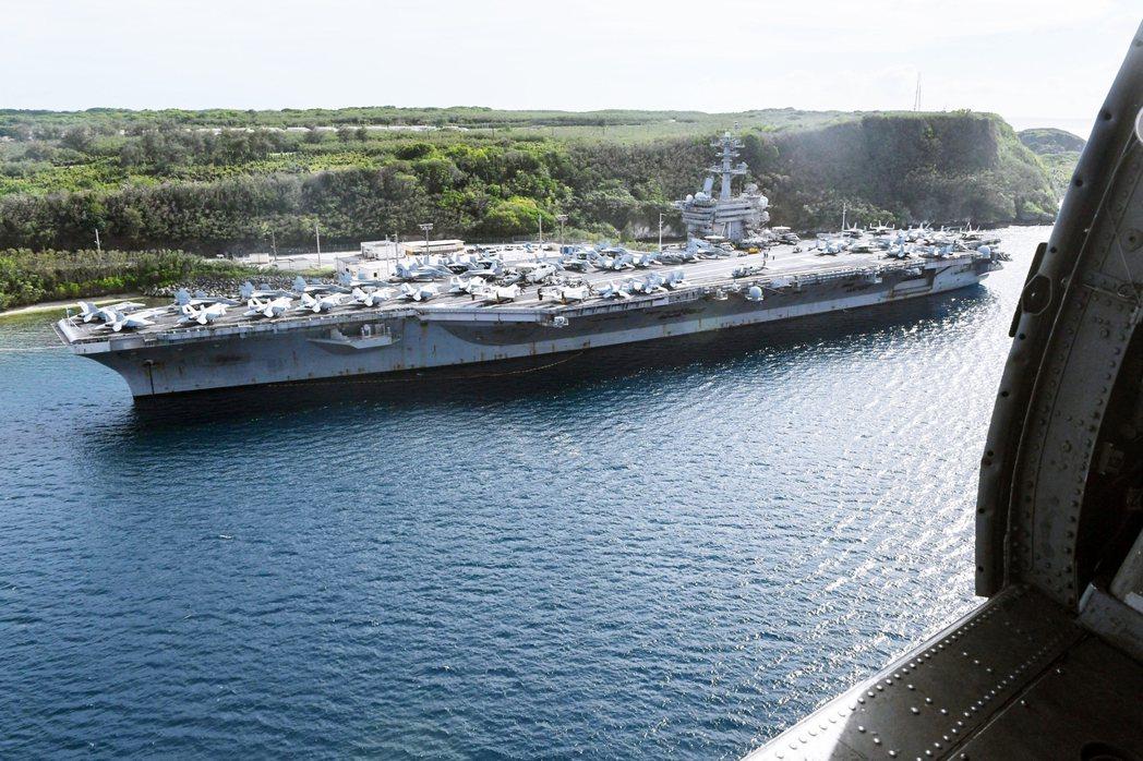 目前羅斯福號已經出海,但關島岸上被留下來繼續隔離的1,800名兵力,何時能夠解禁...
