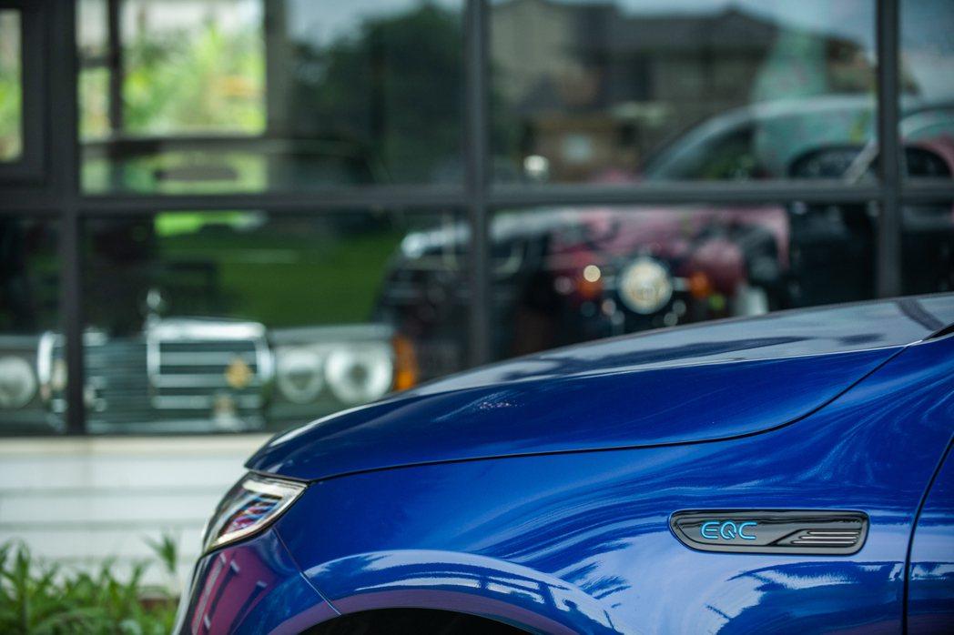 造車工藝雖然不斷革新,但以人為本的理念是賓士不忘的初心。 攝影/王
