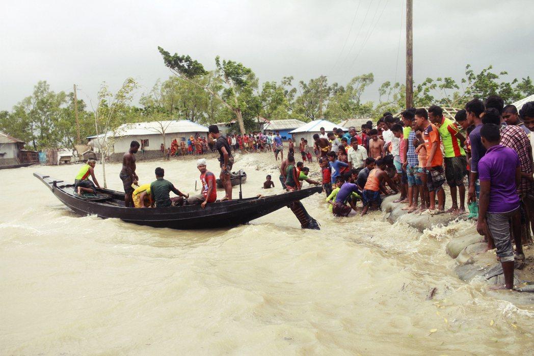 印度東部、靠近孟加拉邊界的低窪地區,正遭逢20年來最強氣旋——安芬(Amphan...