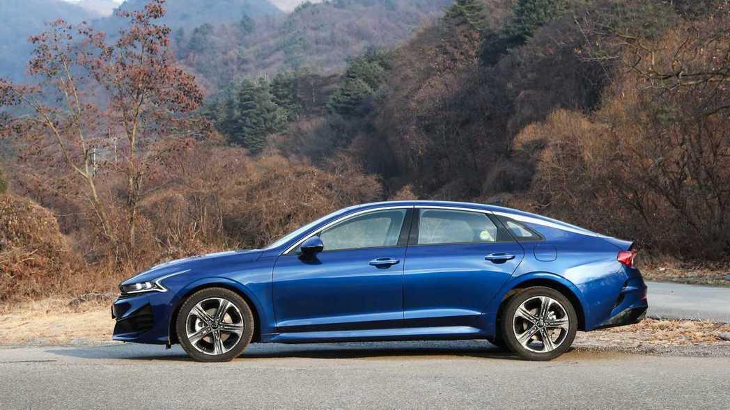 新世代美規Kia K5除了搭載1.6升T-GDi渦輪引擎外,還將配置四輪驅動系統...