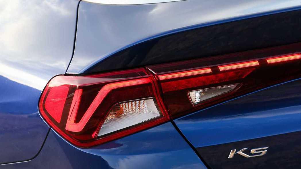 Kia除了Optima將正名為K5外,其餘車款包括Forte、Cadenza與K...