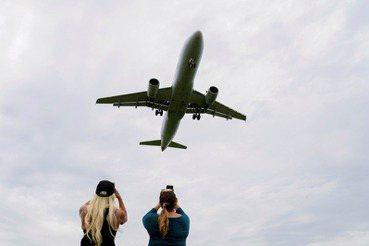 旅行「自肅」時代:疫情趨緩後,全球化人流回得去嗎?