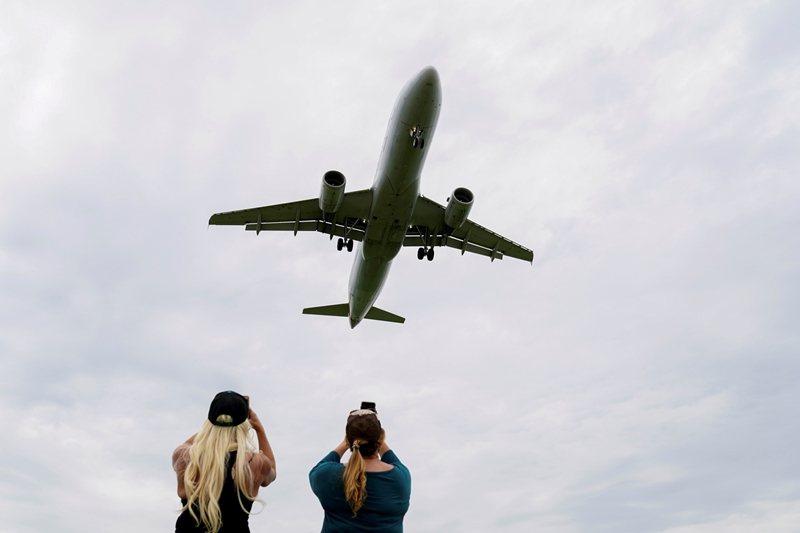 新冠病毒蔓延數月,世界經濟受到極大影響,在眾多產業中,航空業可說是重災戶之一。 ...