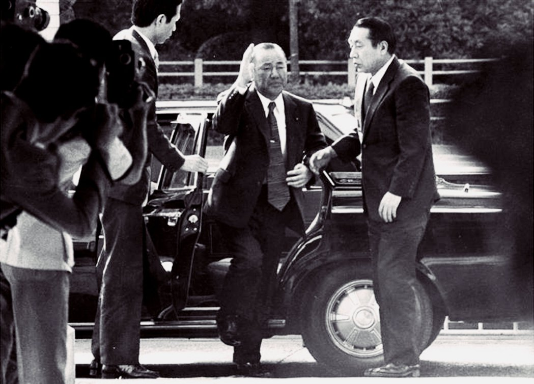 1976年「洛克希德」事件,包括首相田中角榮在內,有5名被告在訴訟中因過世而免訴...
