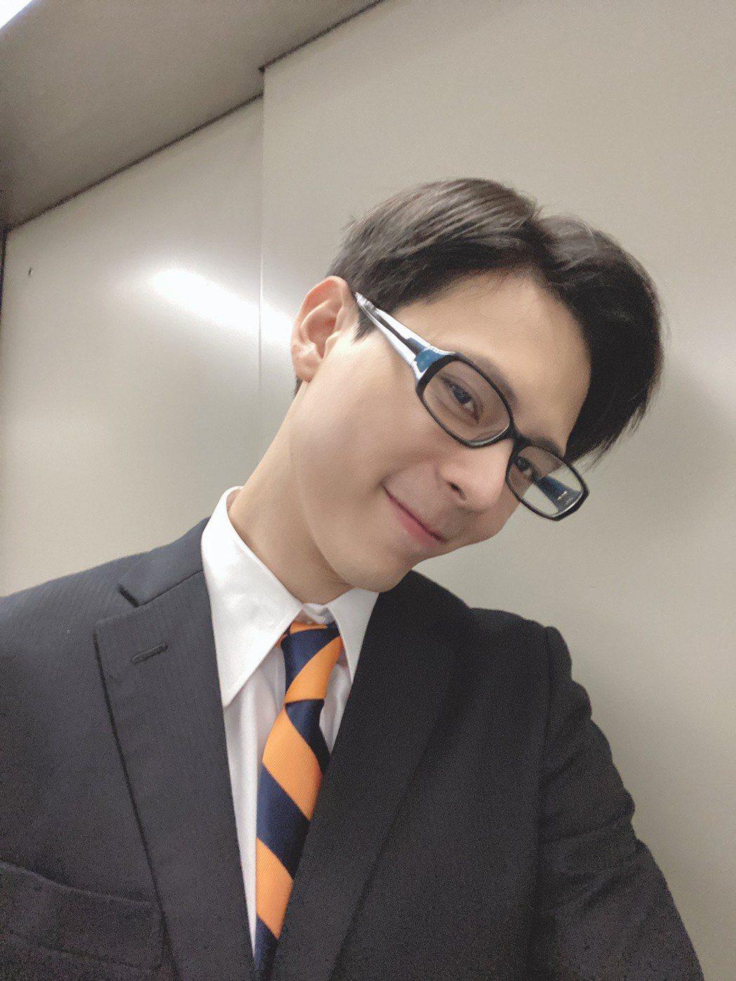 柯朋宇飾演台灣高鐵派去日本新幹線學習的「研修生」。圖/杉朋娛樂提供