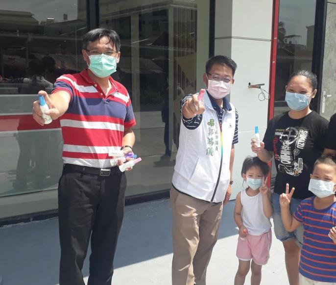 台南市規畫增設市立醫院,市議員郭鴻儀(左二)呼籲設在新豐區。圖/本報資料照片。