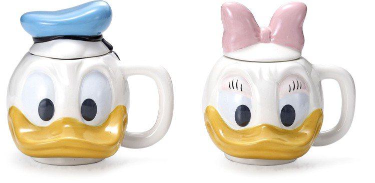 HOLA迪士尼系列唐老鴨、黛西馬克造型杯,每件原價599元,特價399元。圖/H...