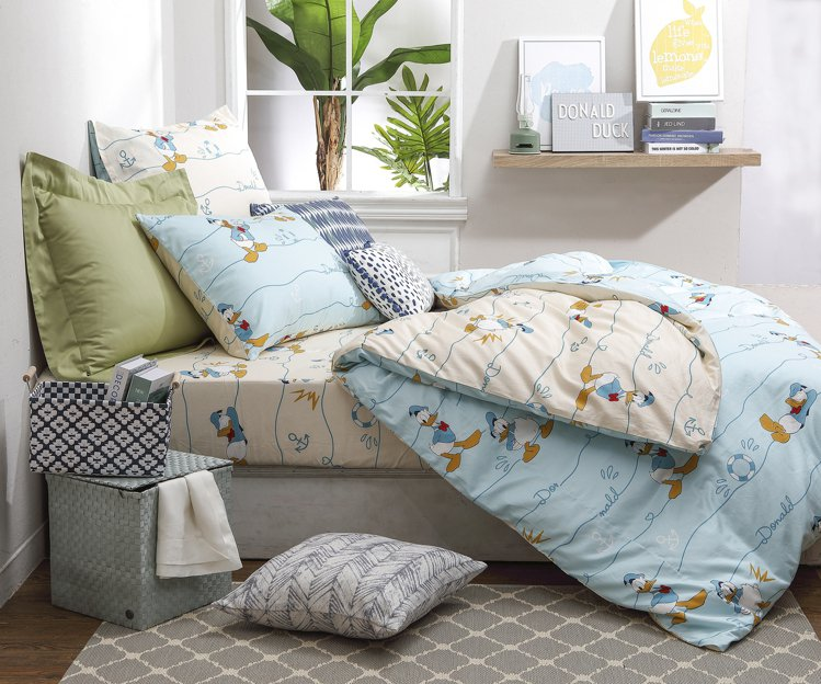 HOLA迪士尼系列唐老鴨純棉床被三件組單人每組原價5,980元,特價3,880元...