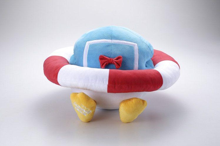 HOLA迪士尼系列唐老鴨午睡枕,原價899元,特價699元。圖/HOLA提供