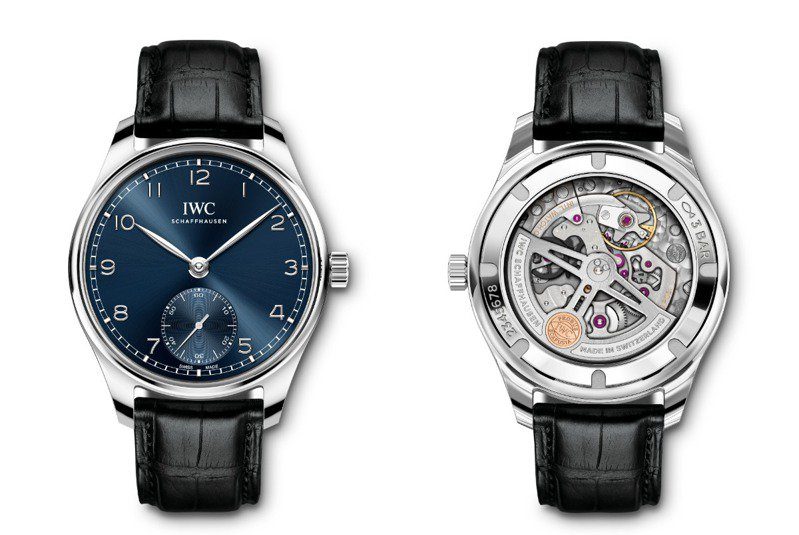 IWC今年新款的葡萄牙自動腕表(IW358305),精鋼表殼配藍色太陽紋表面,是相當雅緻的白領菁英之選,23萬2,000元。圖 / IWC提供。
