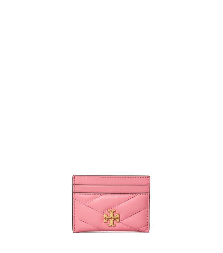粉紅色票卡夾,4,190元。圖/Tory Burch提供