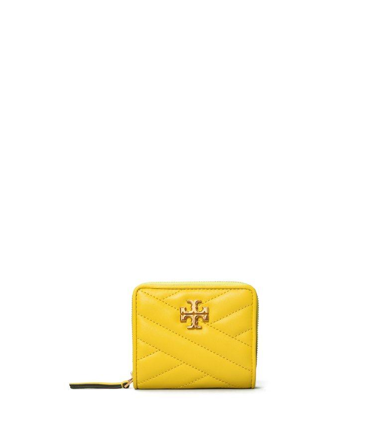 檸檬黃皮夾,7,890元。圖/Tory Burch提供