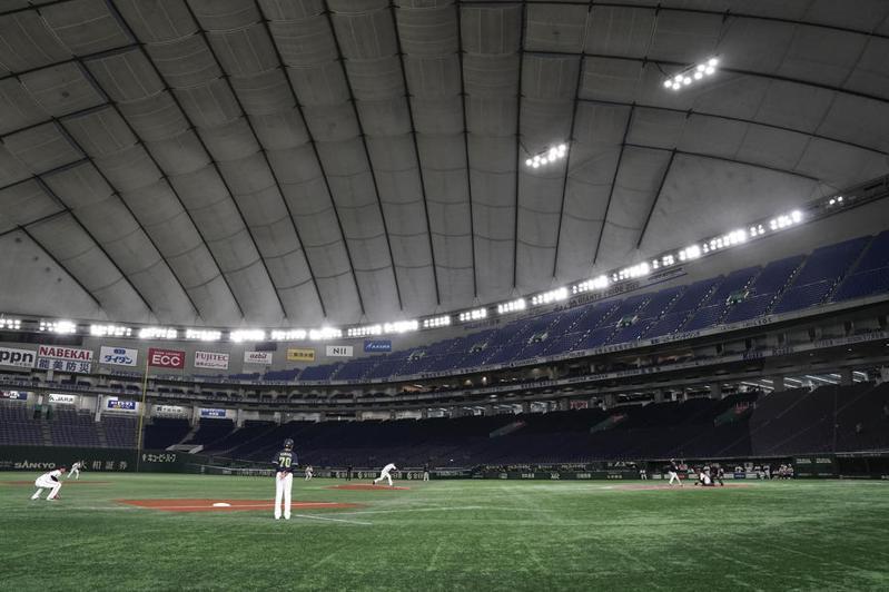 在日本政府逐步解除緊急事態宣言後,日職目標最快在6月19日開幕,但可能先採「無觀眾試合」。 歐新社