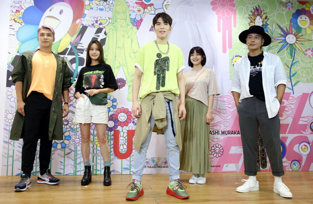 蕭敬騰(中)出席日系服飾新品發表會活動,展現活力。記者林俊良/攝影
