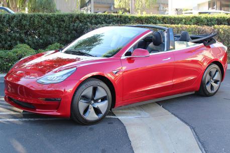 電動車竟然也可開篷? Tesla Model 3出現了敞篷版本!