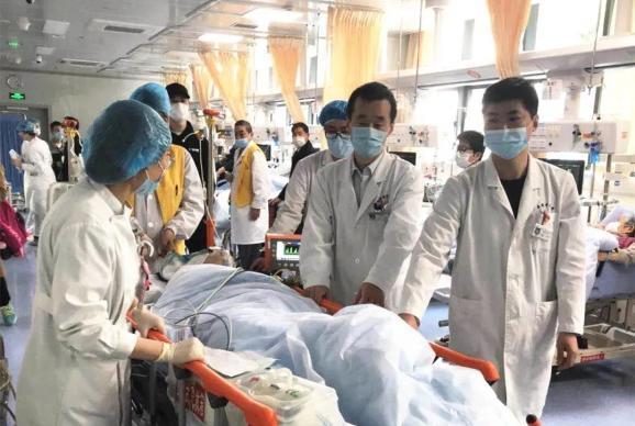 張玲當日被送到江蘇省中醫院進行急救。圖擷自澎湃新聞