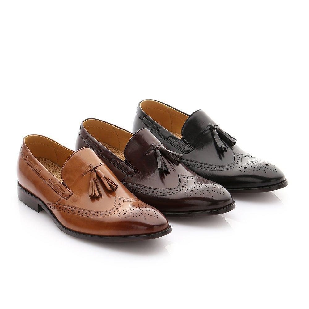 阿瘦皮鞋鼓勵全民多走路多健康,推出「第二件0元」專區,包括超人氣皮底鞋也加入優惠...