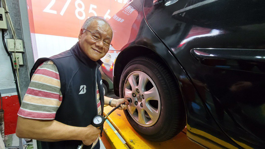 定期做好輪胎檢測才能確保行車安全。 圖/吳毅倫 攝影